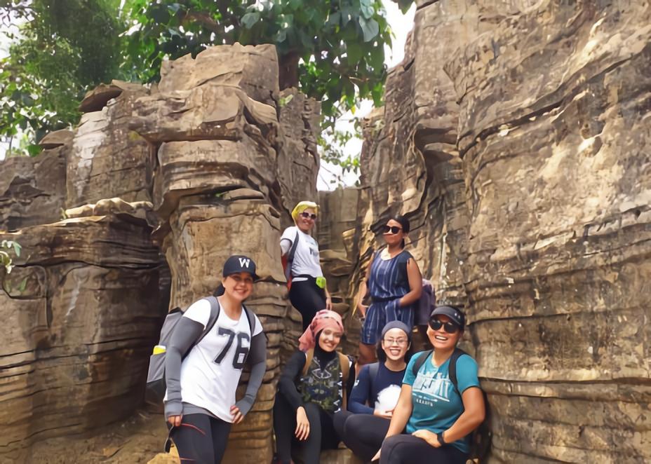 WEB Trekking Gua Garunggang dan Sungai Ciherang-01.jpg